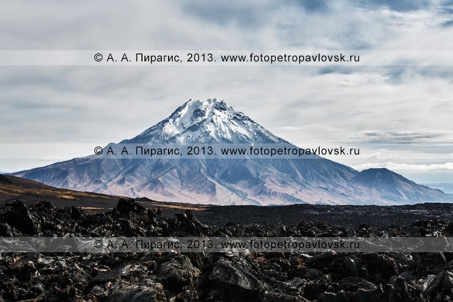 Фотография: вид на вулкан Большая Удина (Bolshaya Udina Volcano) на Камчатке
