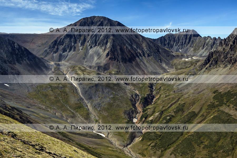 Фотография: вид на гору Вачкажец на Камчатке. Южно-Быстринский хребет, горный массив Вачкажец (вулкан Вачкажец)
