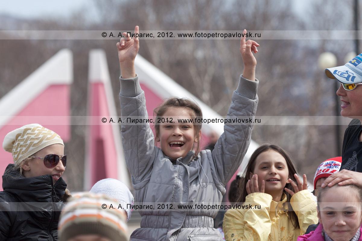 Фотография: веселые камчатские ребята в парке Победы. Камчатка, город Петропавловск-Камчатский, микрорайон Дачный