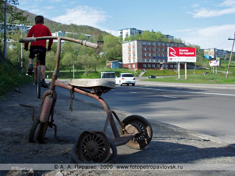 Велосипеды на дороге в Петропавловске-Камчатском
