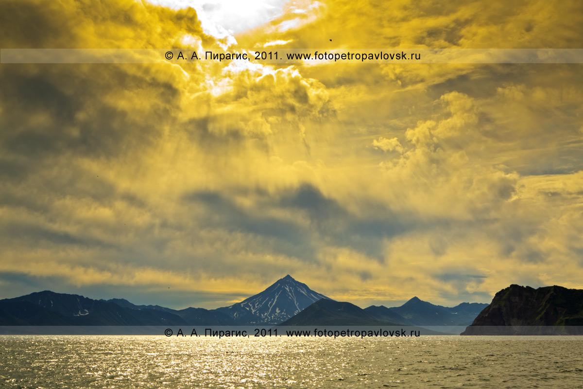 Фотография: Вилючинский вулкан, Авачинский залив, полуостров Камчатка