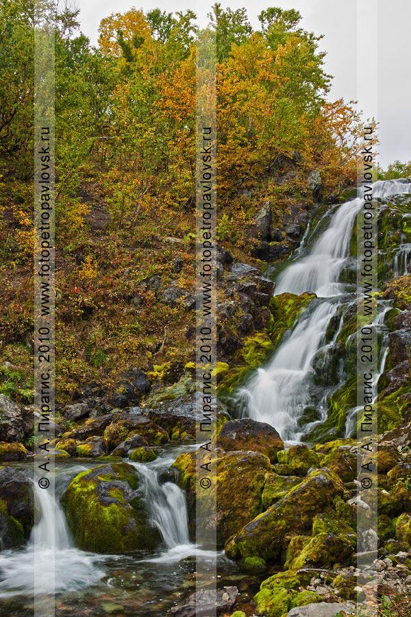 """Фотография: водопад (река Ключевая). Горный массив Вачкажец. Геологический памятник природы Камчатки """"Горный массив Вачкажец"""""""