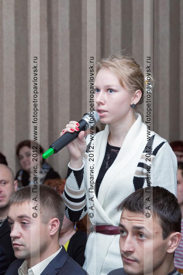 Фотография: встреча главы Петропавловск-Камчатского городского округа Константина Слыщенко с молодежью города