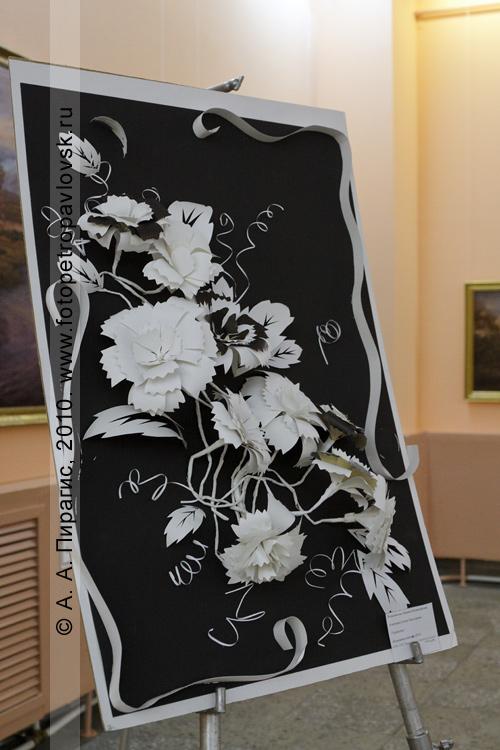 """Фотография: экспонат выставки """"Рассветы Камчатки"""", посвященной 40-летию Камчатского центра художественного творчества детей и молодежи"""