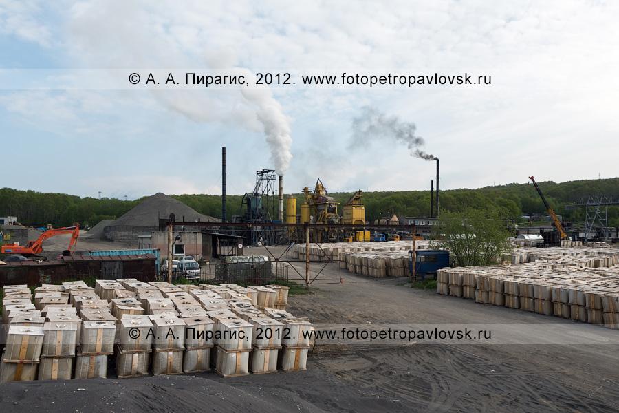 Фотография: асфальтовый завод в городе Петропавловске-Камчатском