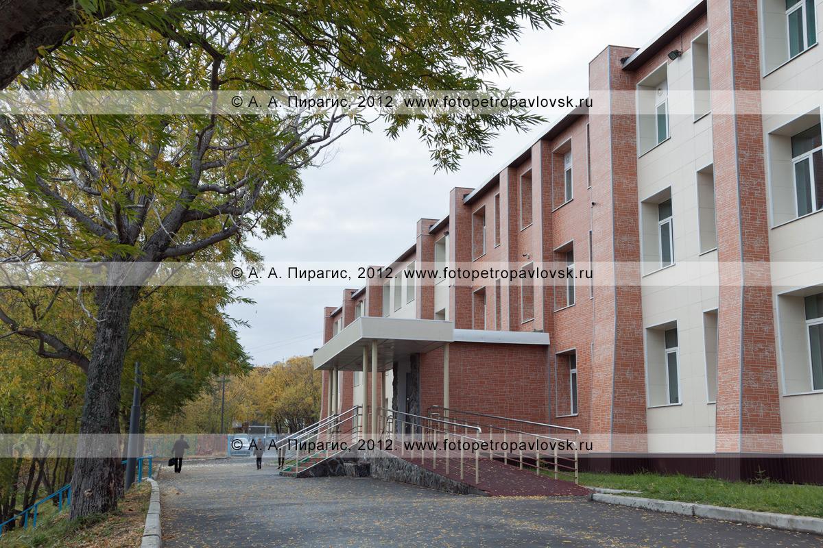 Фотография: средняя школа № 33. Камчатский край, город Петропавловск-Камчатский, проспект Рыбаков, 30