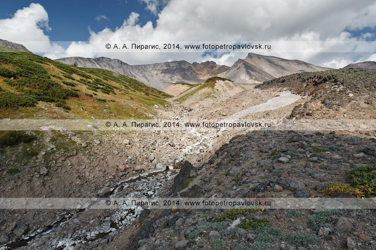 Фотография: вулкан Дзензур, или вулкан Дзензурский (Dzenzur Volcano). Полуостров Камчатка, Дзензур-Жупановская группа вулканов