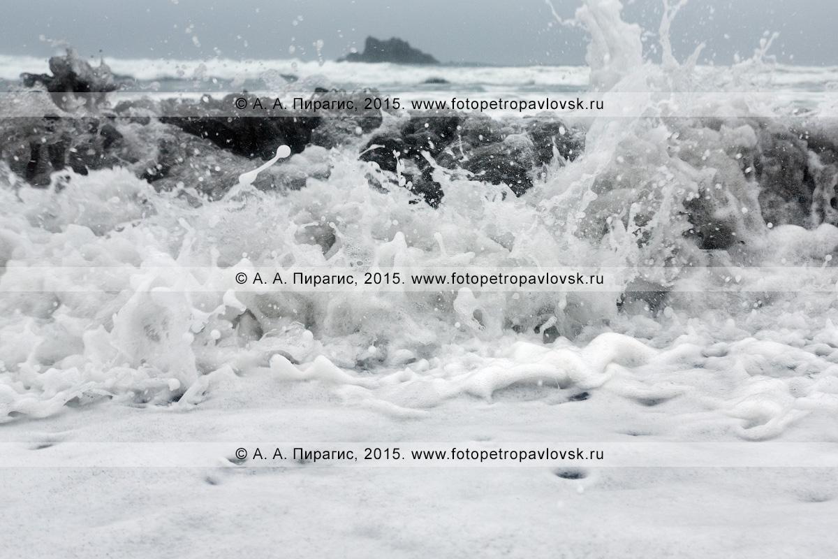 Фотография: тихоокеанские волны на Халактырском пляже. Камчатка