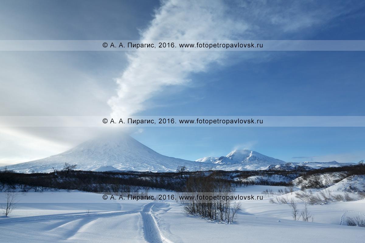 Фотография: действующий вулкан Ключевская сопка и снегоходная шахма к исполину. Полуостров Камчатка, Ключевская группа вулканов