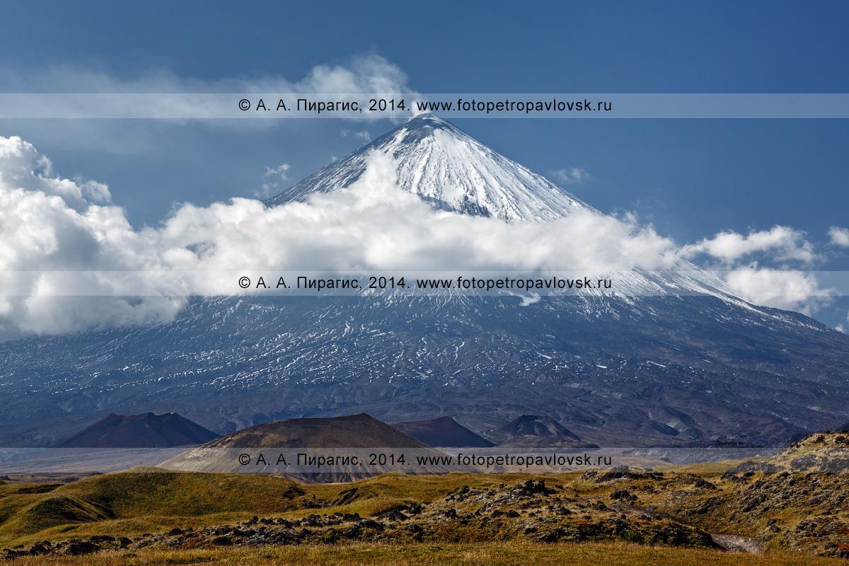 Фотография: Ключевской вулкан, или Камчатская гора, или Ключевская сопка (Klyuchevskoy Volcano, Kamchatskaya gora, Klyuchevskaya Sopka). Полуостров Камчатка