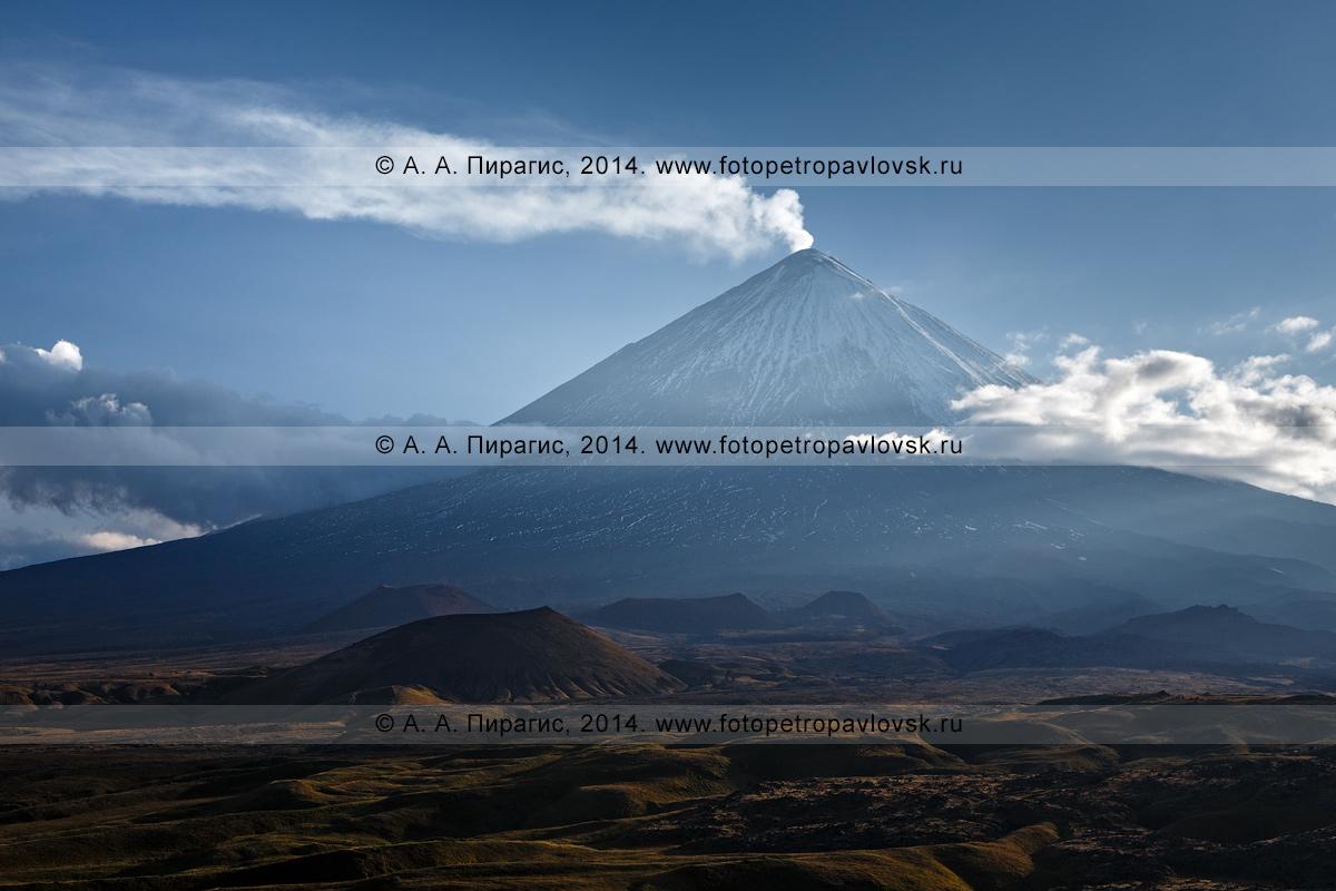 Фотография: Ключевская сопка, или Ключевской вулкан, или Камчатская гора (Klyuchevskoy Volcano, Klyuchevskaya Sopka, Kamchatskaya gora). Камчатский край