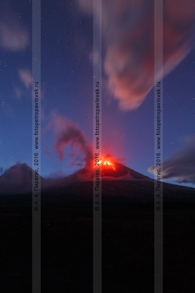 Фотография: Камчатский край, извержение Ключевского вулкана (Klyuchevskoy Volcano), или вулкана Ключевская сопка (Klyuchevskaya Sopka)