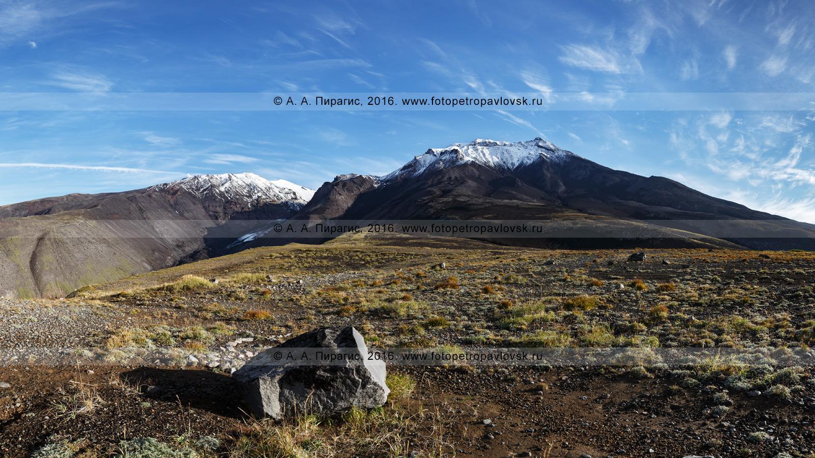 Панорамная фотография: Козельский вулкан (Kozelsky Volcano) в Авачинско-Корякской группе вулканов на полуострове Камчатка