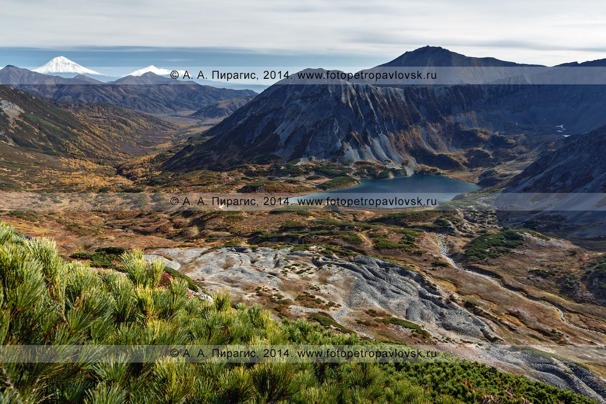 Фотография: осенний пейзаж Камчатки — Затерянное озеро в верховьях реки Правая Быстрая