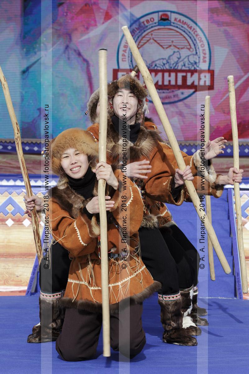 """Фотография: концерт корякского национального ансамбля танца """"Мэнго"""" на полуострове Камчатка"""