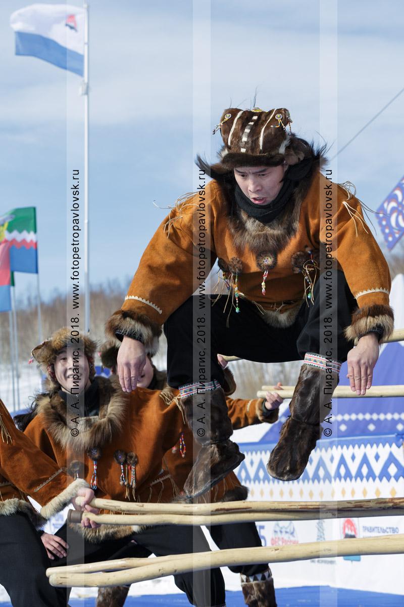 """Фотография: корякский национальный ансамбль танца """"Мэнго"""". Камчатский край"""