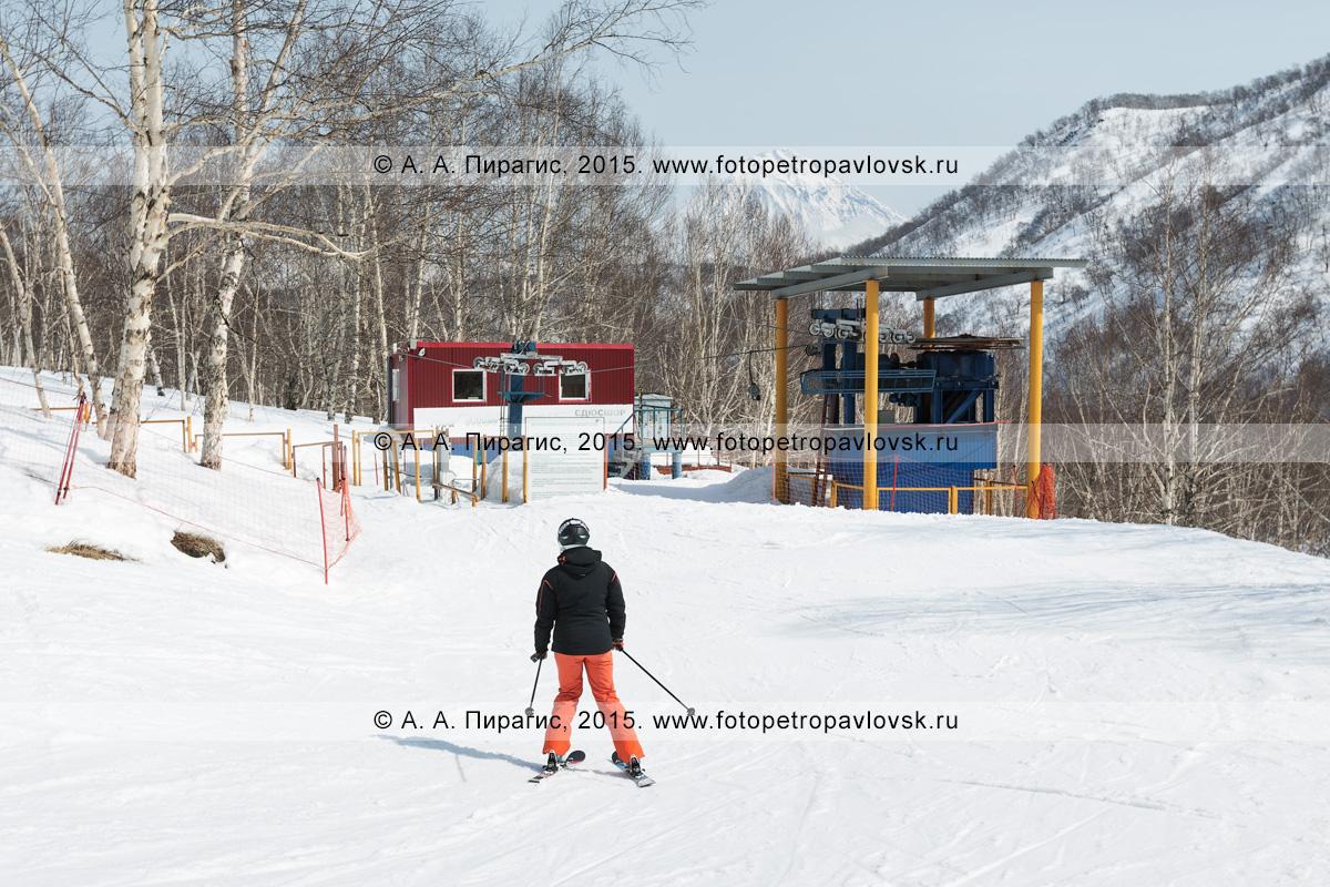 """Фотография: вид на бугельный подъемник на горе Морозной. Камчатка, город Елизово, гора Морозная, горнолыжная база """"Морозная"""""""