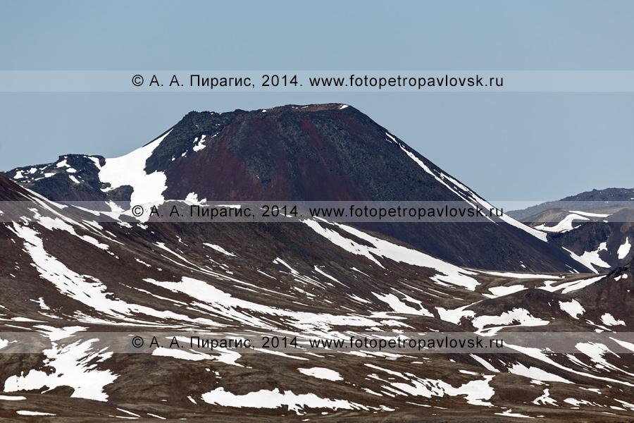 Фотография: вид на камчатский вулкан Черпук Северный (North Cherpuk Cone). Центральная Камчатка, Срединный хребет, Ичинский вулканический район