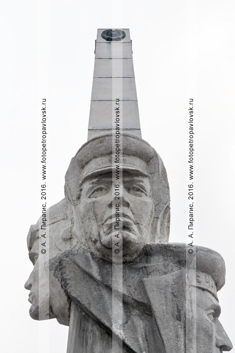 Фотография: фрагмент монумента Славы пограничникам Камчатки в столице Камчатского края — городе Петропавловске-Камчатском