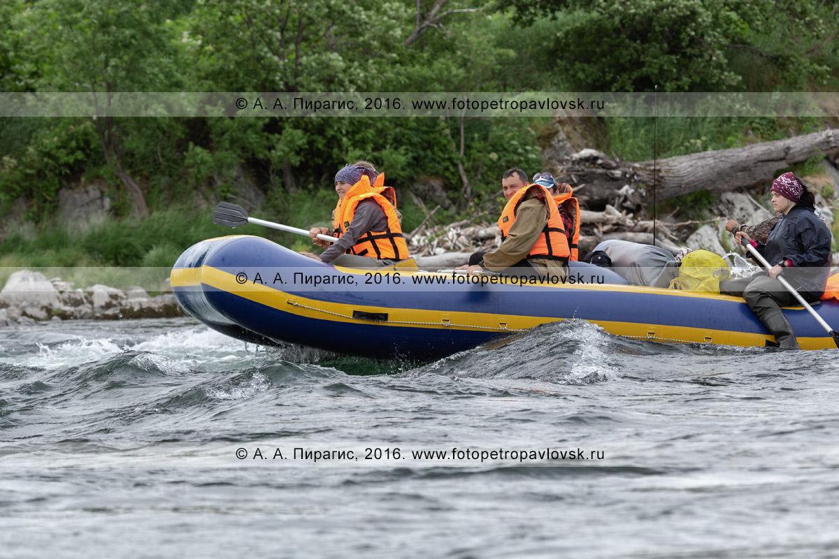 Фотография: водный туризм в Камчатском крае — летний сплав, рафтинг по горной реке Быстрой Малкинской на полуострове Камчатка