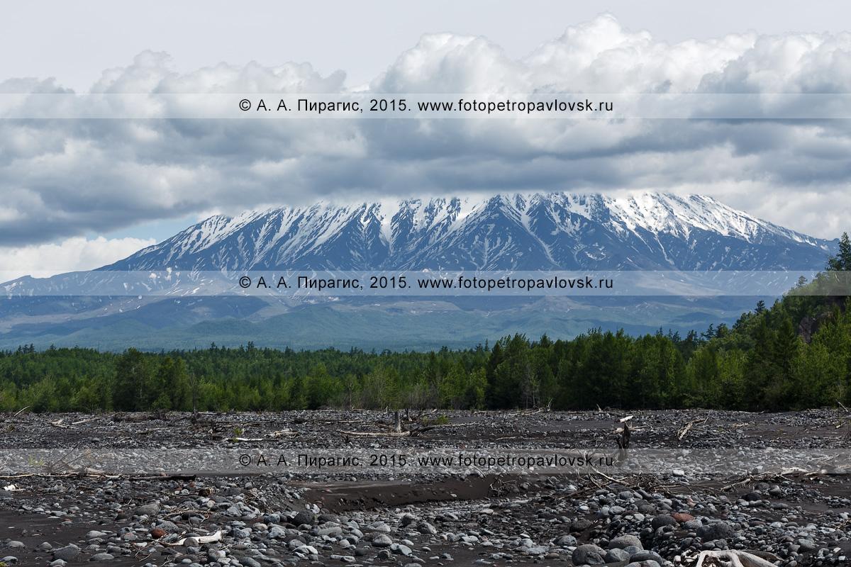 Фотография: вулкан Острый Толбачик (Ostry Tolbachik Volcano). Ключевская группа вулканов, полуостров Камчатка