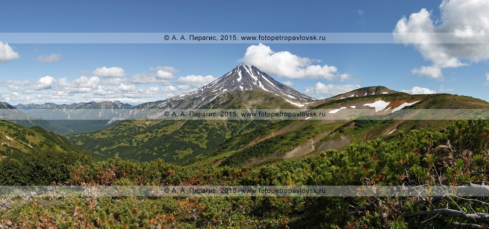 Фотография: камчатская панорама — вид на Вилючинский вулкан (Vilyuchinsky Volcano) с Вилючинского перевала. Полуостров Камчатка