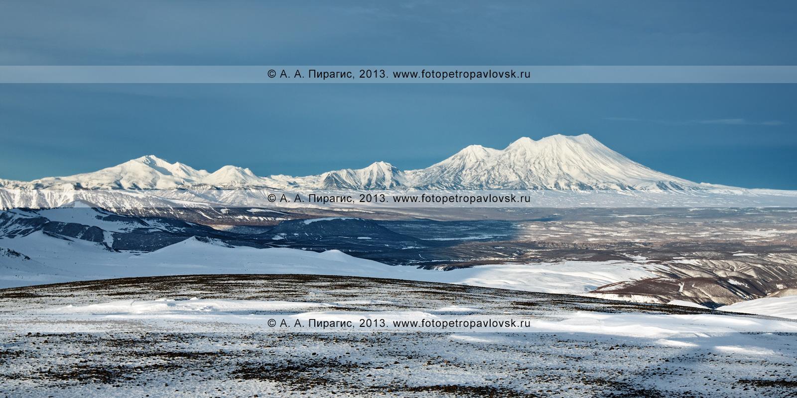 Панорама: Дзензур-Жупановская группа вулканов на Камчатке — вулкан Дзензур, вулкан Юрьевский, вулкан Сиреневый, вулкан Жупановский