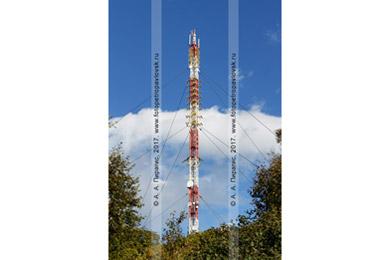 Фотография: вышка с оборудованием беспроводных каналов связи и антенн. Город Петропавловск-Камчатский, Мишенная сопка
