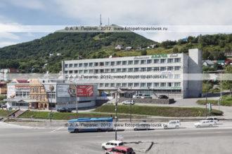 """Фотография: здание гостиницы """"Авача"""" (hotel """"Avacha""""). Петропавловск-Камчатский, полуостров Камчатка"""
