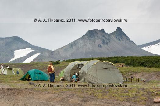 Фотографии Авачинского перевала, палаточного лагеря туристов на полуострове Камчатка