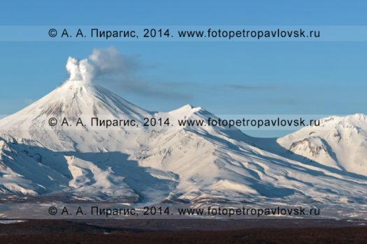 Фотографии действующего Авачинского вулкана на полуострове Камчатка