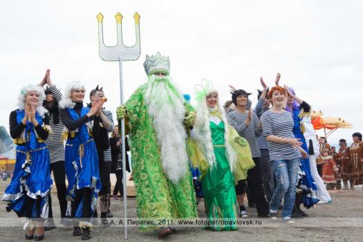 Фоторепортаж: театрализованное шествие в День рыбака в городе Петропавловске-Камчатском