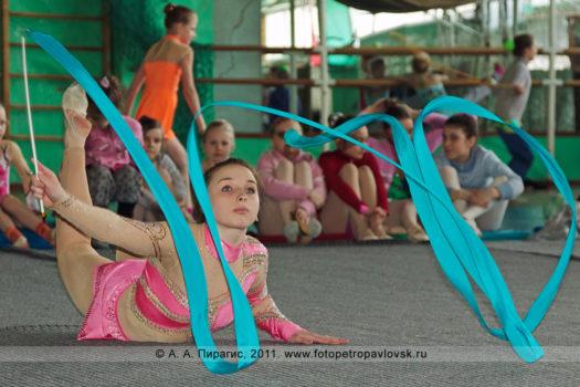 Спортивный фоторепортаж с соревнований по художественной гимнастике на полуострове Камчатка
