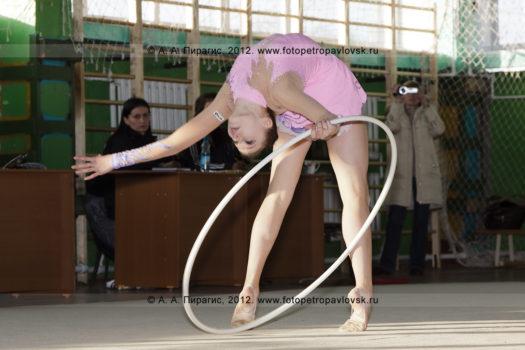 Спортивный фоторепортаж: фотографии чемпионата и первенства Петропавловск-Камчатского городского округа по художественной гимнастике