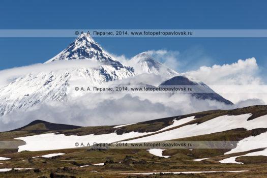 Фотографии: вулкан Камень, вулкан Ключевской и вулкан Безымянный. Камчатка, Ключевская группа вулканов