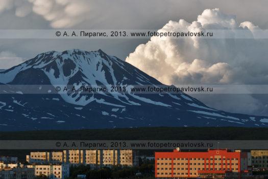 Фотография Козельского вулкана, города Петропавловска-Камчатского