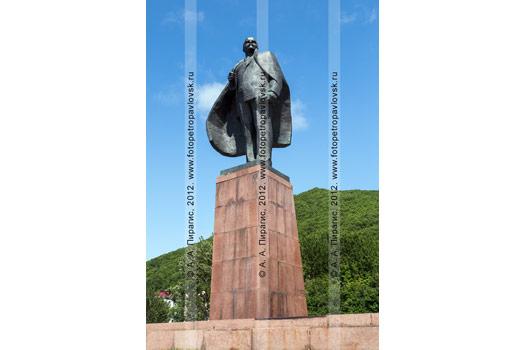 Фотография памятника Владимиру Ильичу Ульянову в городе Петропавловске-Камчатском