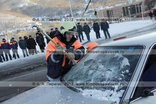 Фоторепортаж: учения по отработке действий оперативных служб при ликвидации последствий дорожно-транспортного происшествия