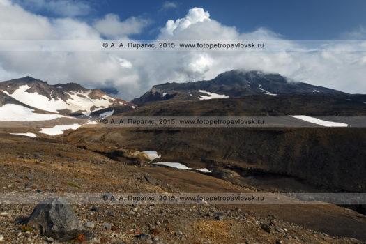 Фотографии действующего Мутновского вулкана на полуострове Камчатка