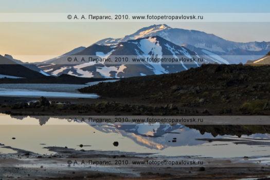 Фотография Мутновского вулкана на полуострове Камчатка