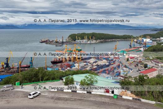 Фотографии вида на Петропавловск-Камчатский морской торговый порт