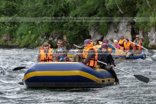 Водный туризм в Камчатском крае, фотографии летнего рафтинга по горной реке Быстрой Малкинской