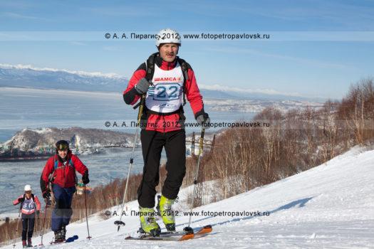Спортивный фоторепортаж: фотографии соревнований по ски-альпинизму на полуострове Камчатка