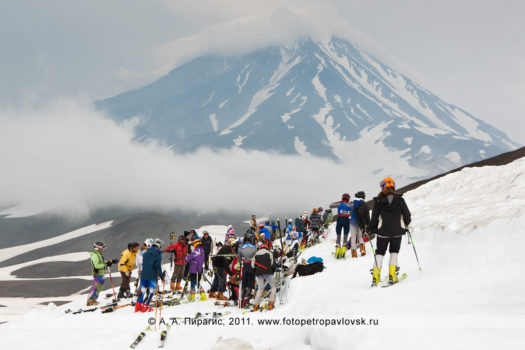 Спортивный фоторепортаж: летнее первенство Камчатского края по горнолыжному спорту на Авачинском вулкане