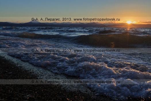 Фотографии заката над Авачинской губой (Авачинской бухтой) на полуострове Камчатка