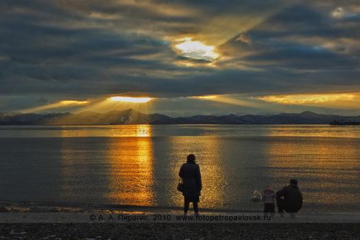 Фотография Авачинской губы (бухты) на закате